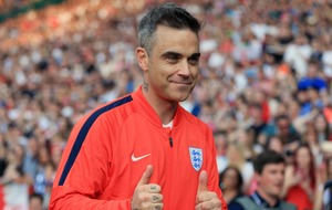 Robbie Williams unveils former England stars for Soccer Aid For Unicef match
