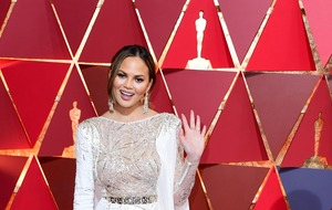 Chrissy Teigen tweets hilarious response to Kim Kardashian's body mould
