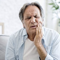 Ask The Dentist: There are better ways to tackle toothache than chewing chillies