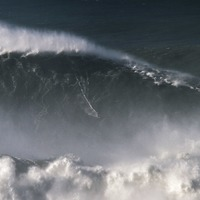 Brazilian surfer breaks world record riding 80ft wave
