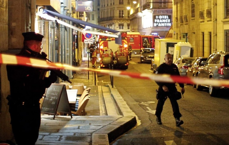 Paris police respond to knife attack; Media report 2 dead