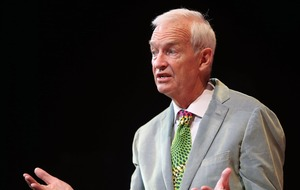 Channel 4 newsreader Jon Snow: I've volunteered for a pay cut