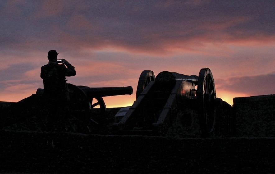 Derry walls to roar with cannon fire in history pilot scheme