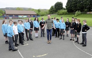 Carl Frampton meets hundreds of integrated school pupils