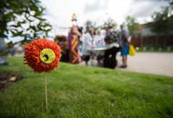 'Yarn bomb' call out to knitters ahead of EastSide street party
