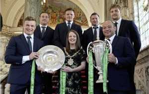 Historic Irish rugby team honoured at Belfast city hall