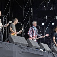 Undertones join Ash on stage as BBC Biggest Weekend draws to a close