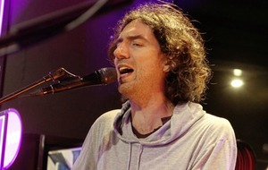 Snow Patrol fans go wild at special acoustic gig in Belfast