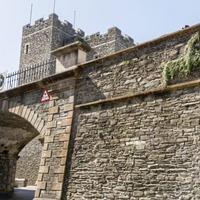 Manager for Derry's ancient walls would help economy