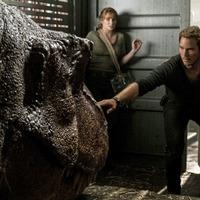 Jurassic World: Fallen Kingdom offers derivative dinosaur thrills