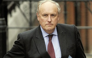 Daily Mail editor Paul Dacre  to step down after 26 years