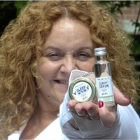 Dynamic Andrea treats acne the natural way with homemade skin creams