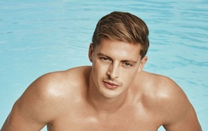 Alex 'on the prowl' as two new girls arrive on Love Island