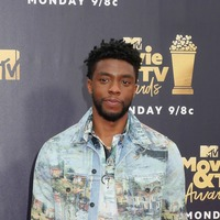 Black Panther star hands over his MTV Award to Waffle House hero
