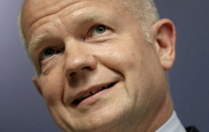 Tory rebels risk derailing Brexit if they follow Boris Johnson, warns William Hague