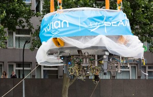 90-tonne cancer-fighting cyclotron arrives in London