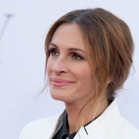 Julia Roberts makes Instagram debut with message to fans