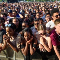 Wireless festival observes minute silence for victims of street violence
