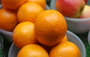 A compound found in oranges 'could help protect against age-related eye disease'