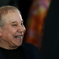 Paul Simon thanks fans on final European show at Hyde Park