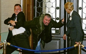 Security staff at Stormont to get stab vests