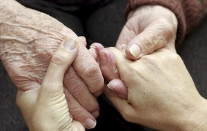 Alzheimer's disease: Mums of five or more at greater risk