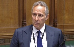 Ian Paisley looks to 'the prophet Isaiah' as he eats humble pie in House of Commons