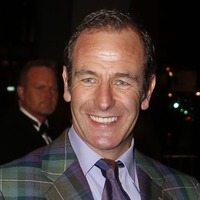 Robson Green has advice for actors who feel pressure to maintain their looks
