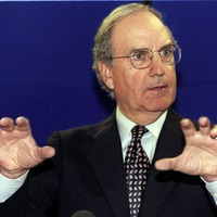George Mitchell: Immense tragedy if peace failed now