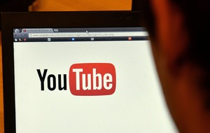 YouTube's dark mode is starting to reach Android users