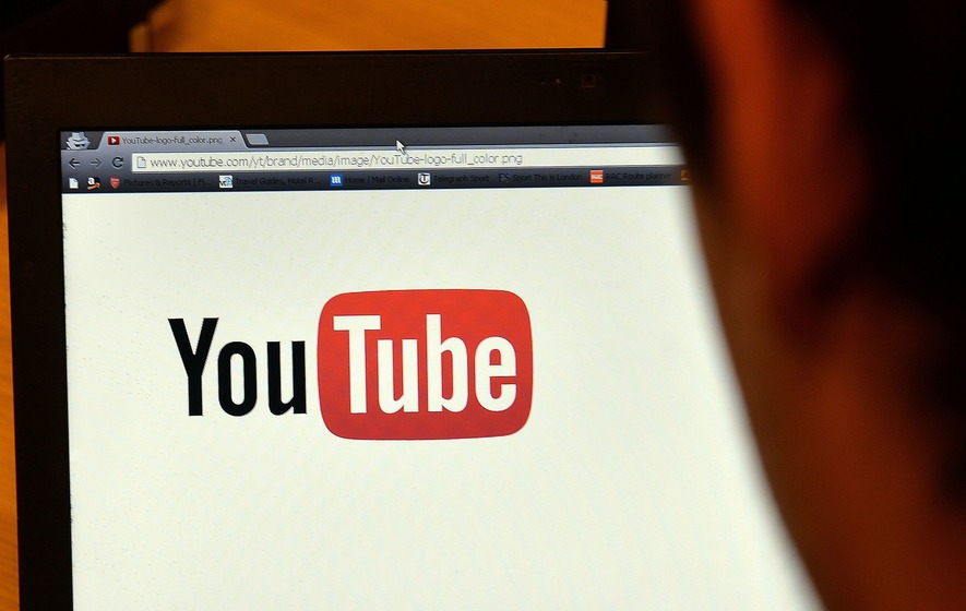 Google starts rolling out dark mode for YouTube on Android devices