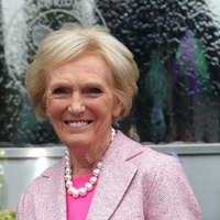 Mary Berry heads to music festival for new quick-fix cooking series