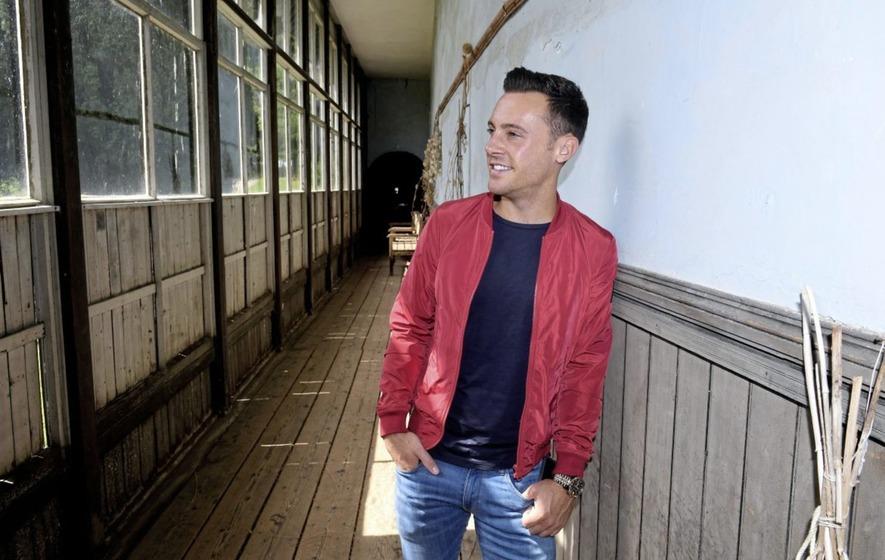 Nathan Carter backs 'shining light' Greenvale owner Michael
