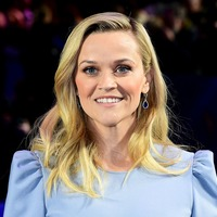 Reese Witherspoon throws ice cream at Meryl Streep during Big Little Lies shoot