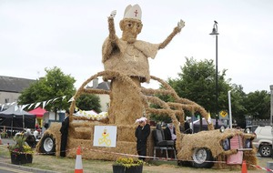 Pope wins joint-first prize at Durrow Scarecrow Festival