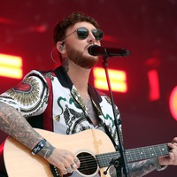 James Arthur's dad helps out with his song struggle