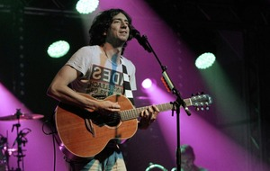 Gary Lightbody: 'I wouldn't mind seeing what I could have done with no booze and drugs'