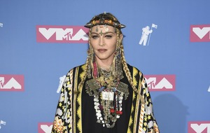 Madonna pays tribute to 'queen' Aretha Franklin at VMAs