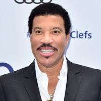 Lionel Richie's daughter Sofia celebrates her 20th birthday with holiday snap