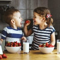 Eight ways to make sure children eat healthy snacks
