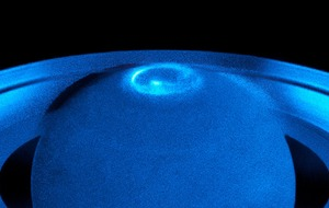 Hubble Telescope captures stunning images of Saturn's north pole aurora