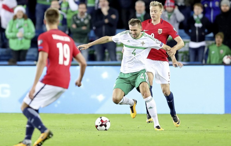 Gareth McAuley agrees deal to join Rangers until end of the season