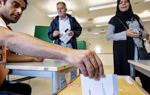 Ruling Swedish party ahead according to poll