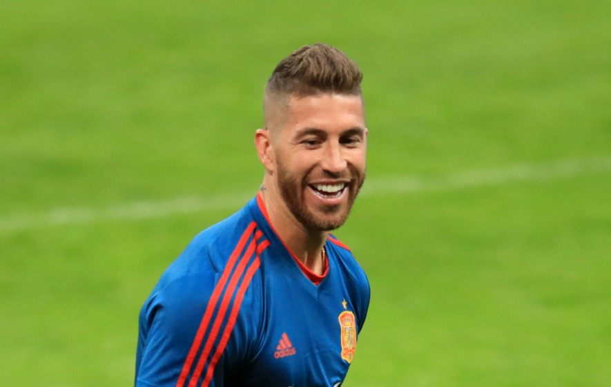 79af18244e57 Watch Sergio Ramos playing keepie uppie with an exercise ball - The ...
