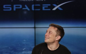 Musk's space company signs up passenger to fly around moon