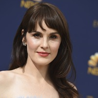 Michelle Dockery, Constance Wu and Sandra Oh arrive on Emmys golden carpet