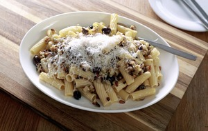 James Street Cookery School: Penne with pine nuts and aubergine, rabbit ragu
