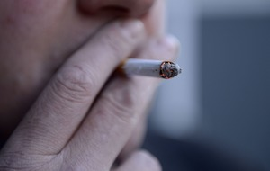 Warning on link between MS and smoking