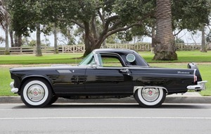 Marilyn Monroe's Ford Thunderbird set for auction