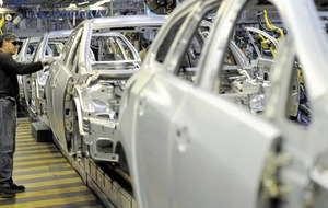 Number of cars built in UK falls again